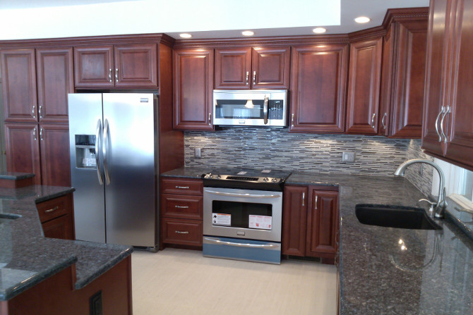 Hudson Crimson with Chocolate Glaze Kitchen